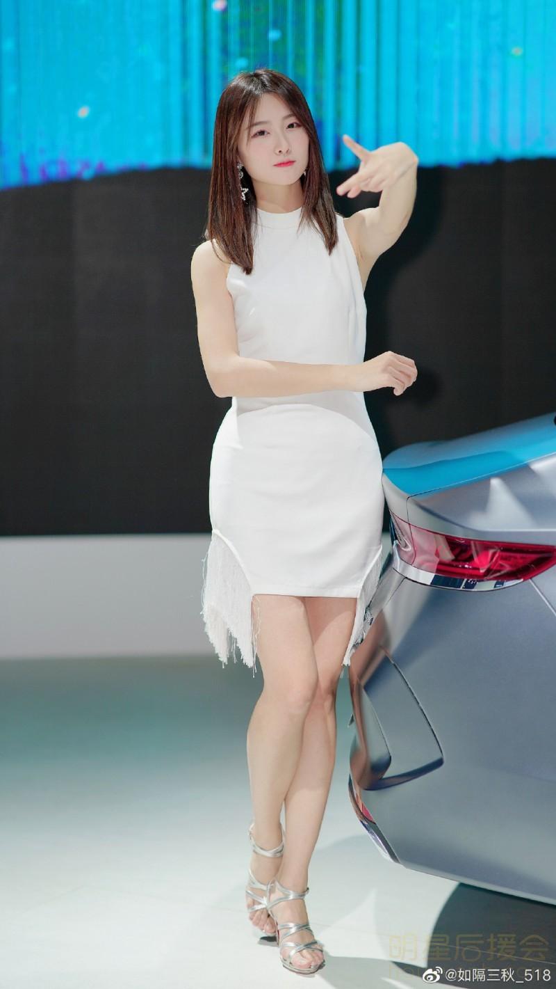 黄子韬的音乐_最近很火的抖音车模苏宁小姐姐、李凉凉、刘诗琪车模照 哪个是 ...