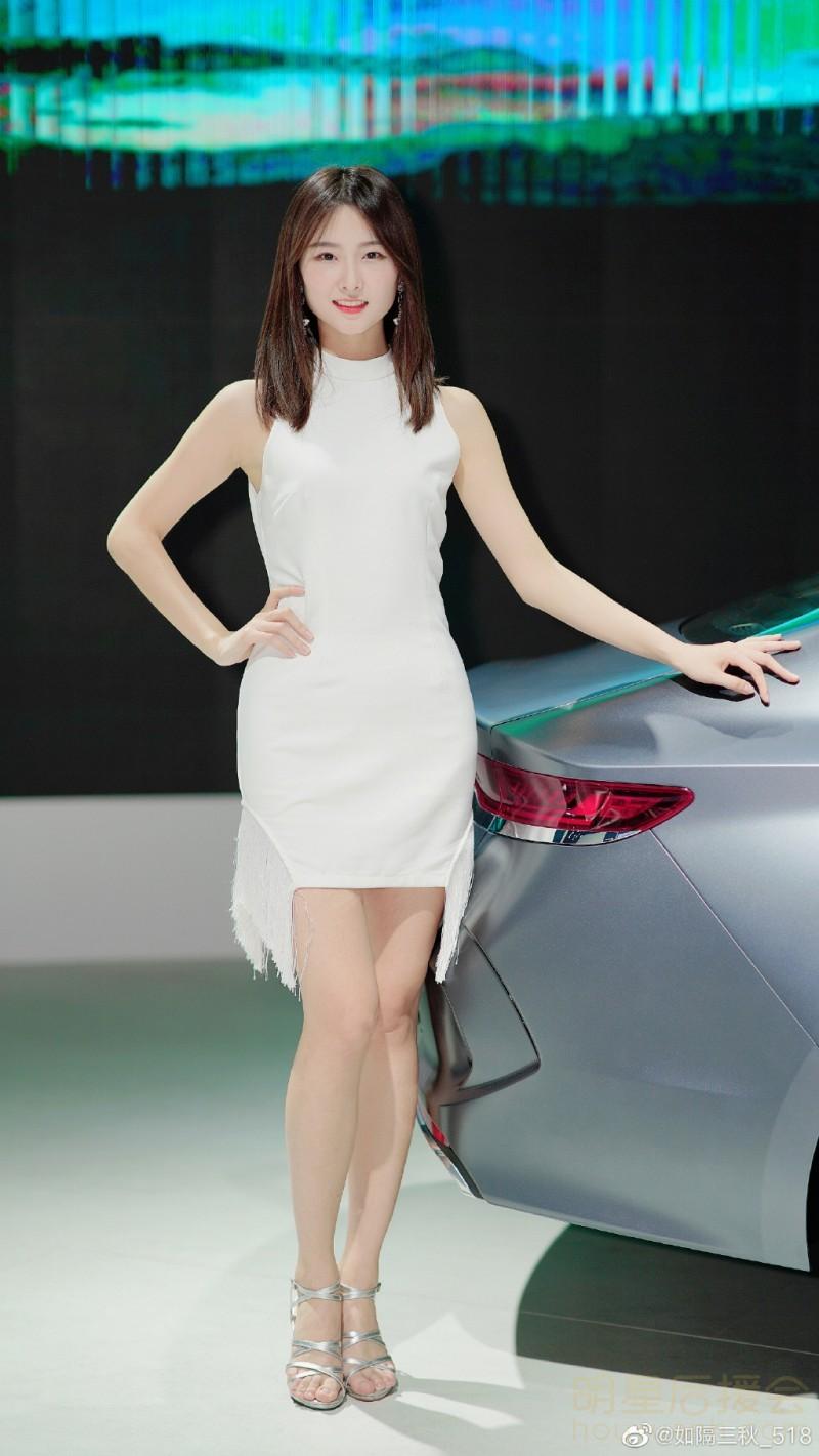 音乐资讯_最近很火的抖音车模苏宁小姐姐、李凉凉、刘诗琪车模照 哪个是 ...